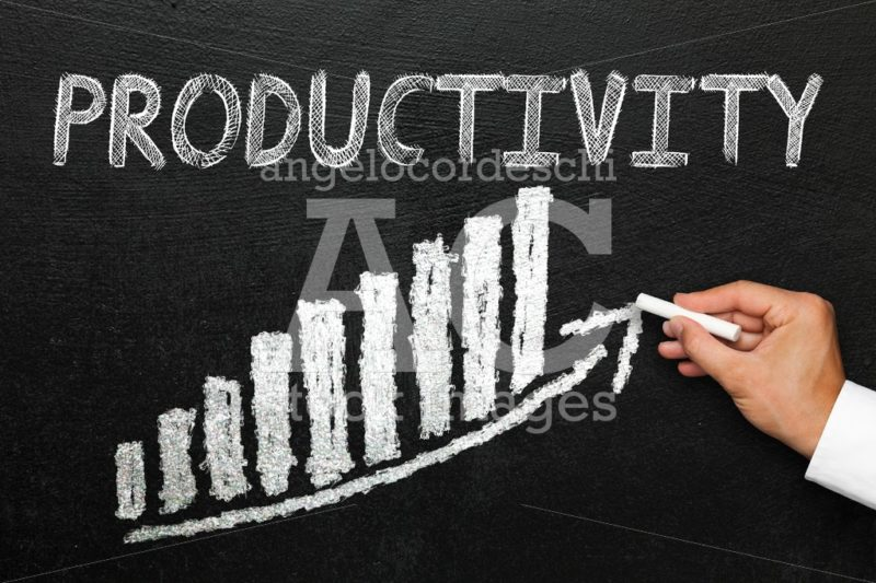 Blackboard with handwritten productivity text. Arrow going upwar - Angelo Cordeschi