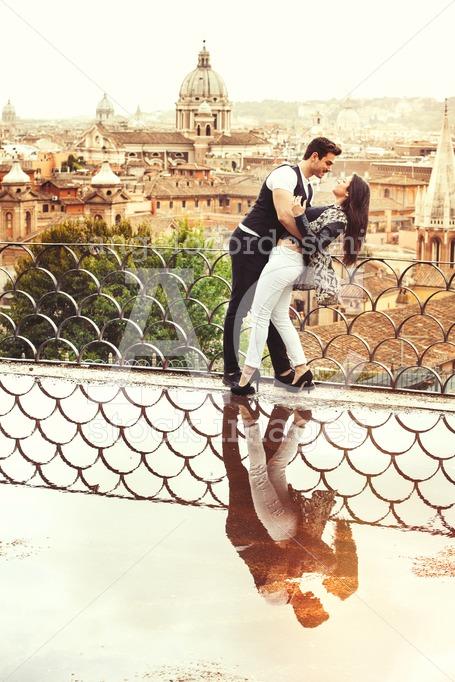 Romantic couple in Rome city, Italy. Loving relationship. Passio - Angelo Cordeschi