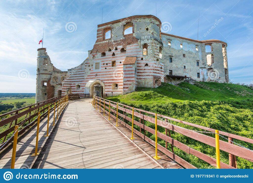 Janowiec Castle Renaissance Built Poland 197719341